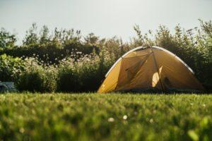 Oui les campings sont accessibles à TOUS les jeunes !